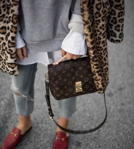 Louis Vuitton Pochette Metis vs. Coach Cassie: which one to get?